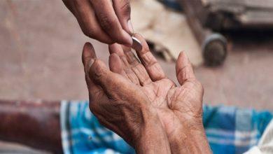 صورة روبورتاج.. التسول في اكادير بين دوافع المرض و احتراف المهنة.. هذه اراء المواطنين حول تفشي هذه الظاهرة