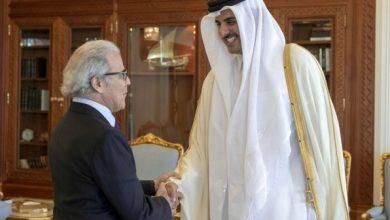 صورة أمير دولة قطر يستقبل والي بنك المغرب السيد عبد اللطيف الجواهري