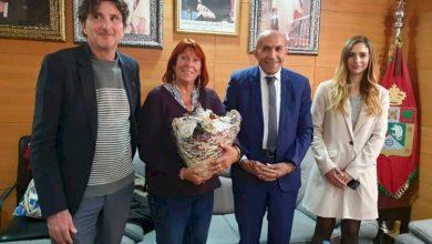 صورة بلكرموس يناقش مع القنصل العام الفرنسي بمدينة أكادير سبل ثتمين المنتوجات المحلية ..