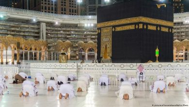 صورة الحجاج يتوافدون الى المسجد الحرام لأداء طواف القدوم