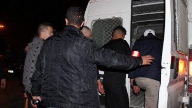 صورة الدار البيضاء.. توقيف 10 أشخاص للاشتباه في تورطهم في خرق حالة الطوارئ الصحية وإحداث الشغب وتبادل العنف المرتبط بالرياضة