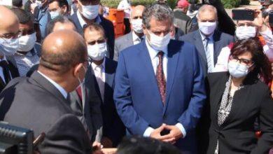 صورة أسفي.. أخنوش يشرف على توزيع الصناديق العازلة للحرارة المصنعة بالمغرب